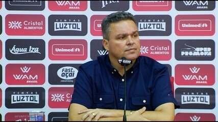 Adson Batista elogia Barroca e anuncia renovação de dois jogadores