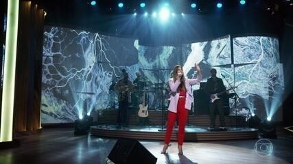 Maria Santos apresenta cantiga que faz parte da peça 'Só de Amor'
