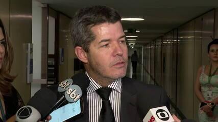 Líder do PSL na Câmara diz que Bolsonaro articula para tirá-lo do partido