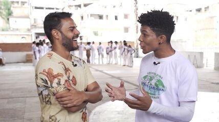 Pablo bate-papo com capoeirista que interpretará Romeu em peça de teatro