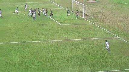 Gol do zagueiro Igor, do Avaí Rondônia