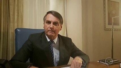 Em transmissão nas redes sociais, presidente Jair Bolsonaro ofende a TV Globo