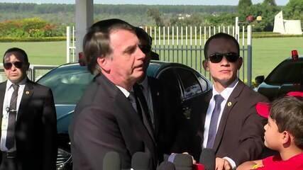 'Quem quer que fale de AI-5 está sonhando', diz Jair Bolsonaro