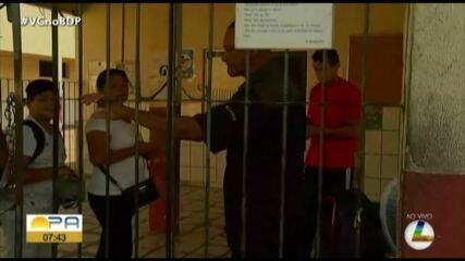 Uniformizados como alunos, bandidos assaltam professores e estudantes em escola de Belém
