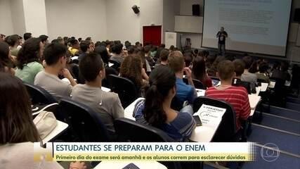 Mais de cinco milhões de estudantes fazem a 1ª prova do Enem neste domingo (3)