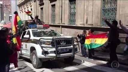 Policiais aderem a protestos contra presidente da Bolívia