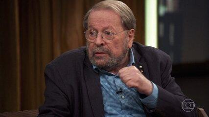 Carlos Vereza fala sobre o ataque que o atual presidente sofreu durante sua campanha eleitoral