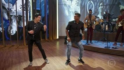 Isaquias ensina Nory como se dança Arrocha
