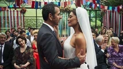 Maria da Paz se casa com Amadeu