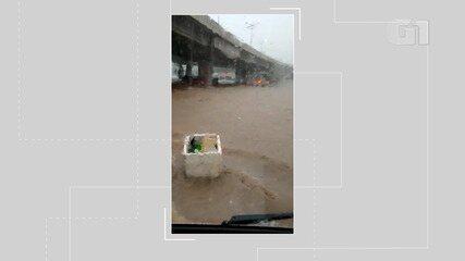Chuva: motorista grava vídeo do alagamento no Acesso Norte, em Salvador