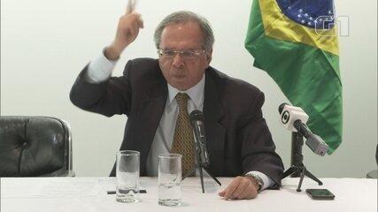 """""""Jamais apoiaria o AI-5, isso é inconcebível"""", diz Paulo Guedes"""