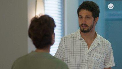 Teaser 'Bom Sucesso' 02/12: Vera diz para Marcos que Alberto gosta de Paloma