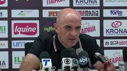 """Itamar Schulle, novo técnico do Santa Cruz: """"Apanhei de chicote"""""""