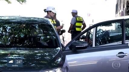 Policiais fazem blitz nos principais acessos de Paraisópolis
