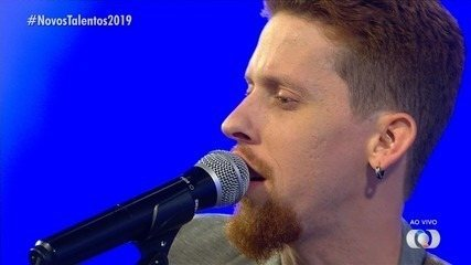 Fred Monteiro canta na final dos Novos Talentos 2019
