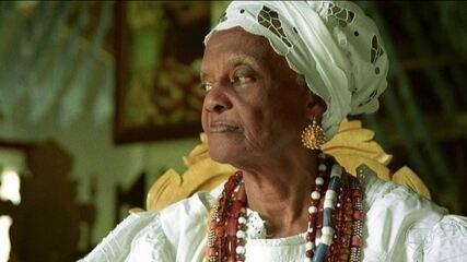 Morre, aos 96 anos, Mãe Tatá de Oxum