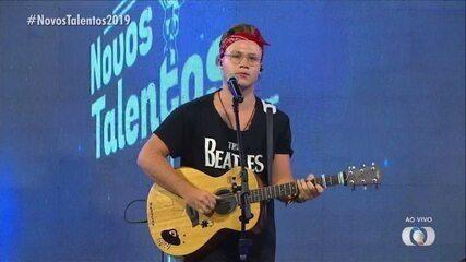 Brunno Oliveira canta 'O Sol' na final do concurso Novos Talentos 2019