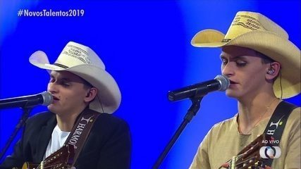 Vinícius e Venâncio cantam 'Vivendo Aqui no Mato' na final do concurso Novos Talentos 2019