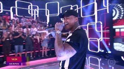 """Léo Santana canta """"Contatinho"""""""