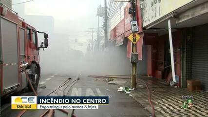 Incêndio atinge lojas no Centro de Fortaleza
