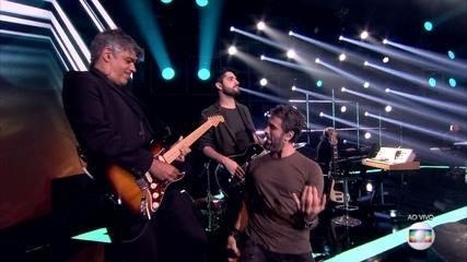 Eriberto Leão coloca todo mundo pra dançar ao som de 'Aluga-se'