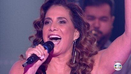Totia Meireles canta sucesso de Caetano Veloso
