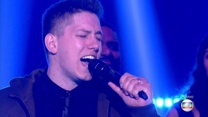 Jakson Follmann canta 'Evidências' na rodada final do 'PopStar'