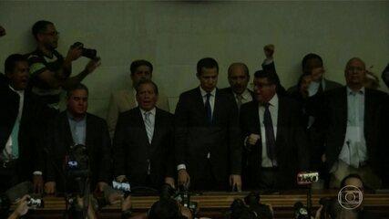 Venezuela vive situação inédita com dois presidentes do Parlamento