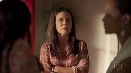 Thelma visita Lurdes e acaba discutindo com Vitória