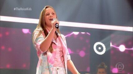 """Laura Nogueira canta """"É Com Ela Que Eu estou"""""""