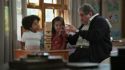Veja a chamada de 'Salve-se Quem Puder' que mostra a família de Alan
