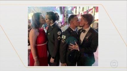 Beijo gay em formatura da Polícia Militar no DF provoca comentários homofóbicos