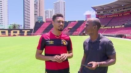 """Cinco anos após """"cornetar"""" Mugni no Flamengo, Brocador vê meia mais experiente"""