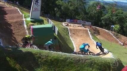 Pilotos vão descer pista de 600 metros na Copa América de Downhill, em São Roque (SP)