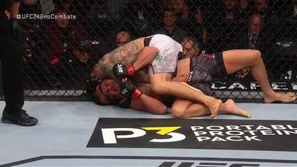 Melhores Momentos de Anthony Pettis x Carlos Diego Ferreira no UFC 246, no dia 18/01/2020.
