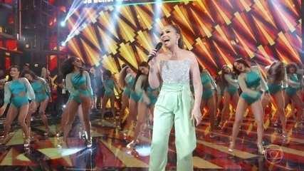 """Solange Almeida canta """"Se é Pra Gente Ficar"""""""