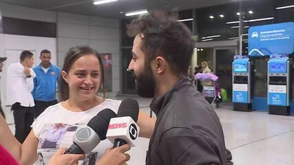 Avião fretado com brasileiros deportados dos EUA chega a Belo Horizonte