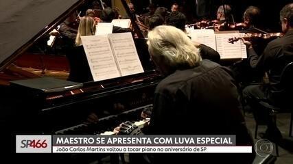 Maestro João Carlos Martins volta a tocar piano no aniversário de SP
