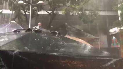 Belo Horizonte tem chuva com queda de granizo neste sábado (1º)