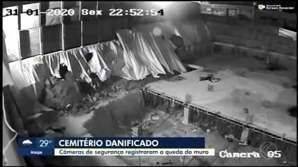 Câmeras de segurança registraram a queda do muro do cemitério de Divinópolis