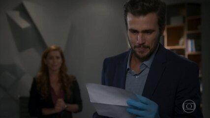 Rafael lê a suposta carta psicografada por Kyra