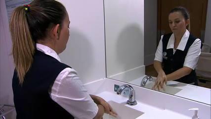 Especialistas mostram como lavar as mãos corretamente e como usar álcool em gel