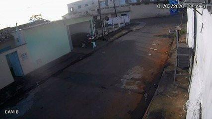 Câmeras flagram quando criança é atropelada pelo próprio pai em Goiás