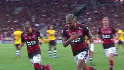 Melhores momentos de Flamengo 3 x 0 Barcelona de Guayaquil pela Libertadores