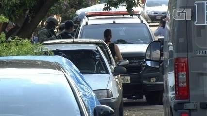 Homem se entrega após fazer a mulher refém em Campo Grande