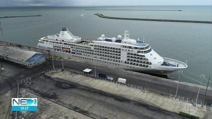 Sobe número de passageiros internados por causa de suspeita de coronavírus em navio