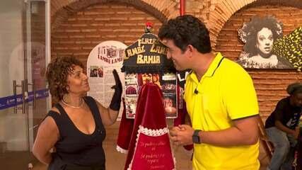 Exposição mostra o gênero teatral lambe-lambe, que completa 30 anos