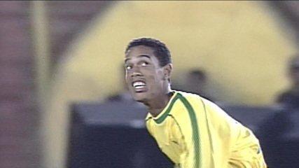 R40, um talento de um guri: A história do Ronaldinho Gaúcho da infância a seleção brasileira