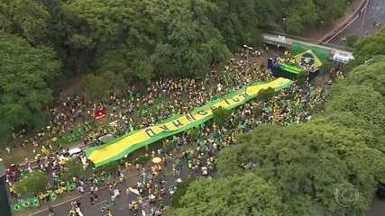 Grupos pró-governo contrariam alerta sobre aglomerações e fazem protestos pelo país