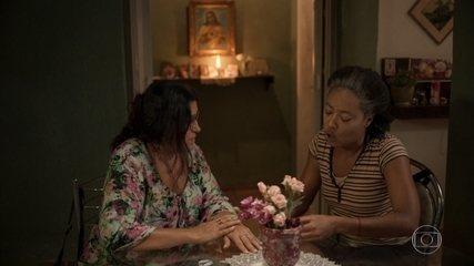 Rita entrega a Lurdes o endereço de Eudésio
